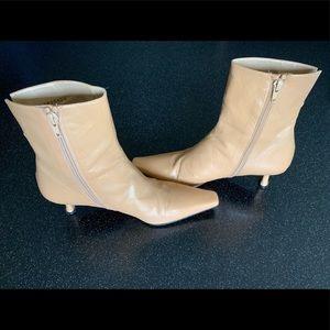 Nude Stuart Weitzman Ankle Booties sz 7.5 EUC